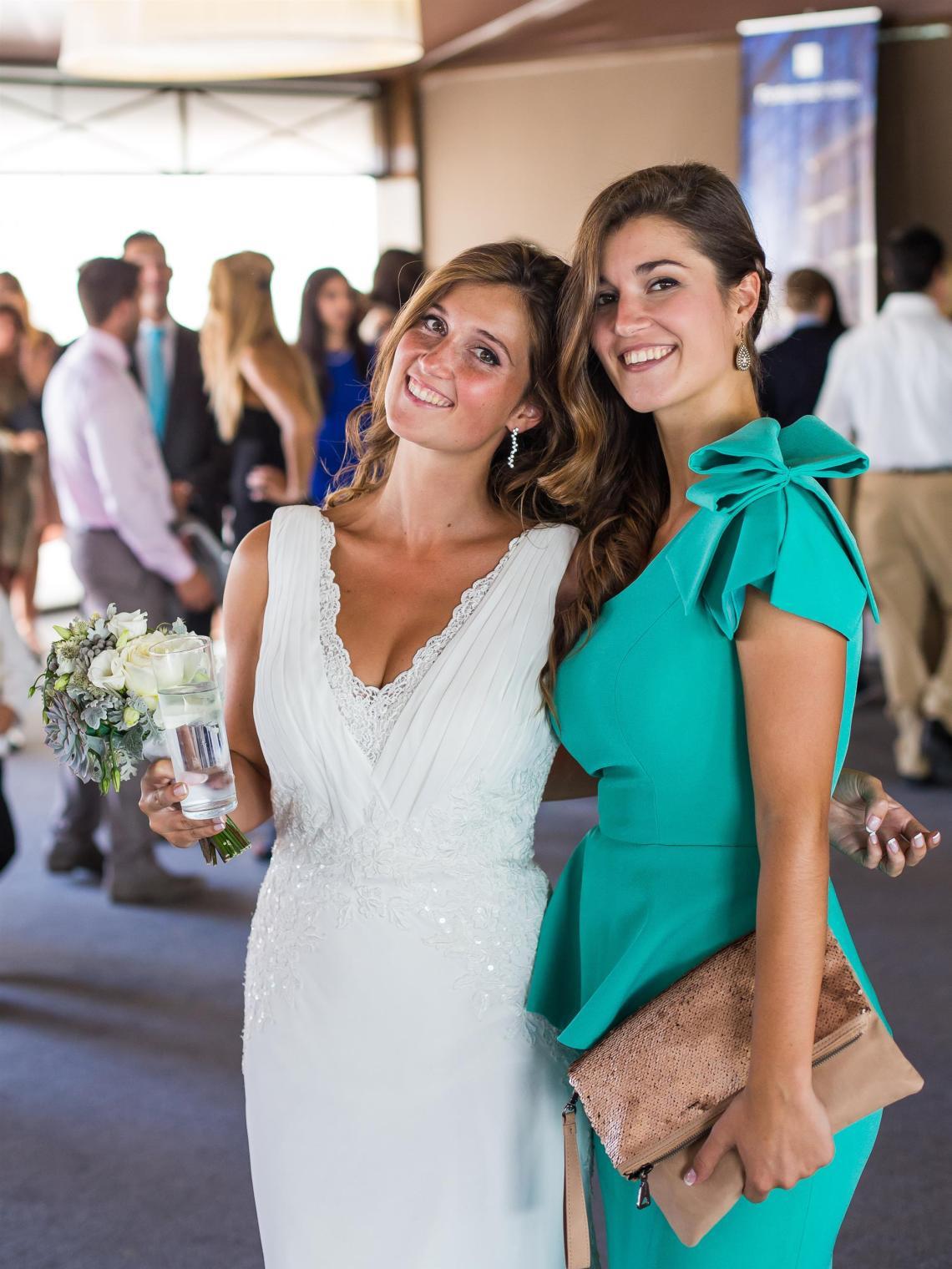 boda-espanola-sueca-ella-se-viste-de-blanco (12)