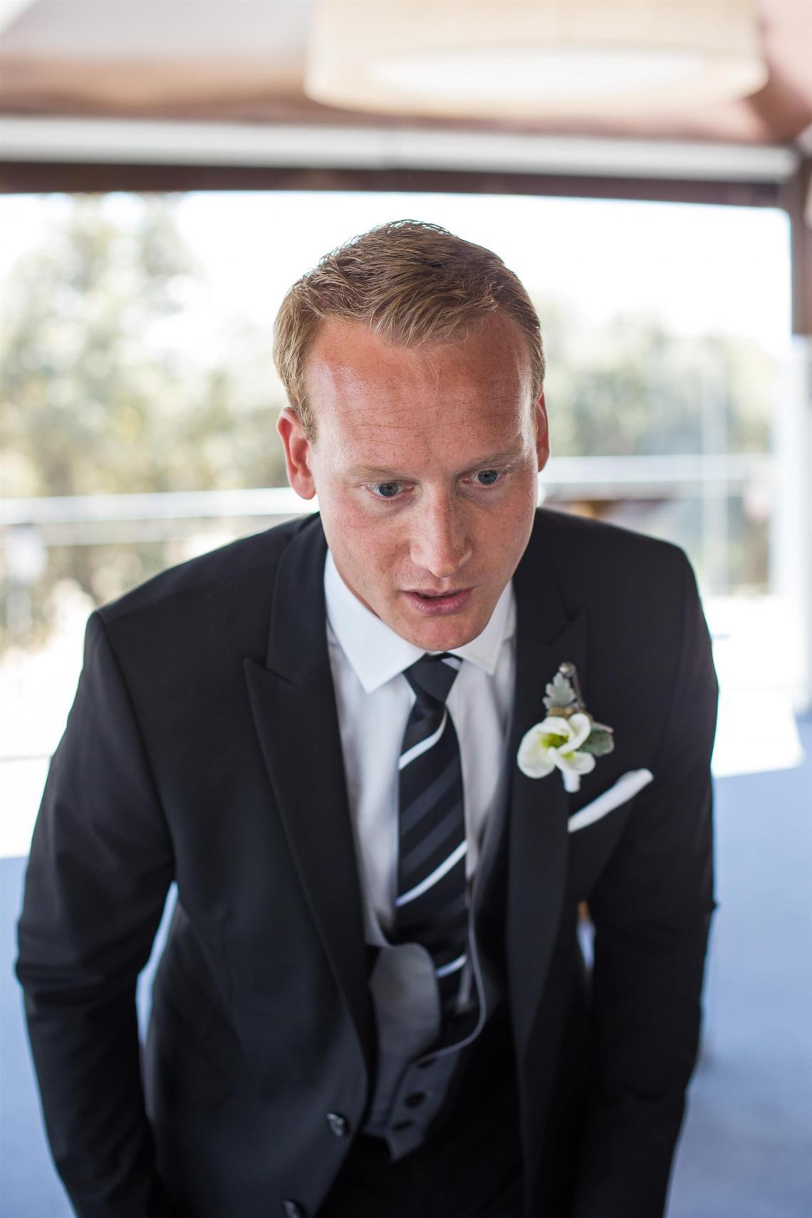 boda-espanola-sueca-ella-se-viste-de-blanco (19)
