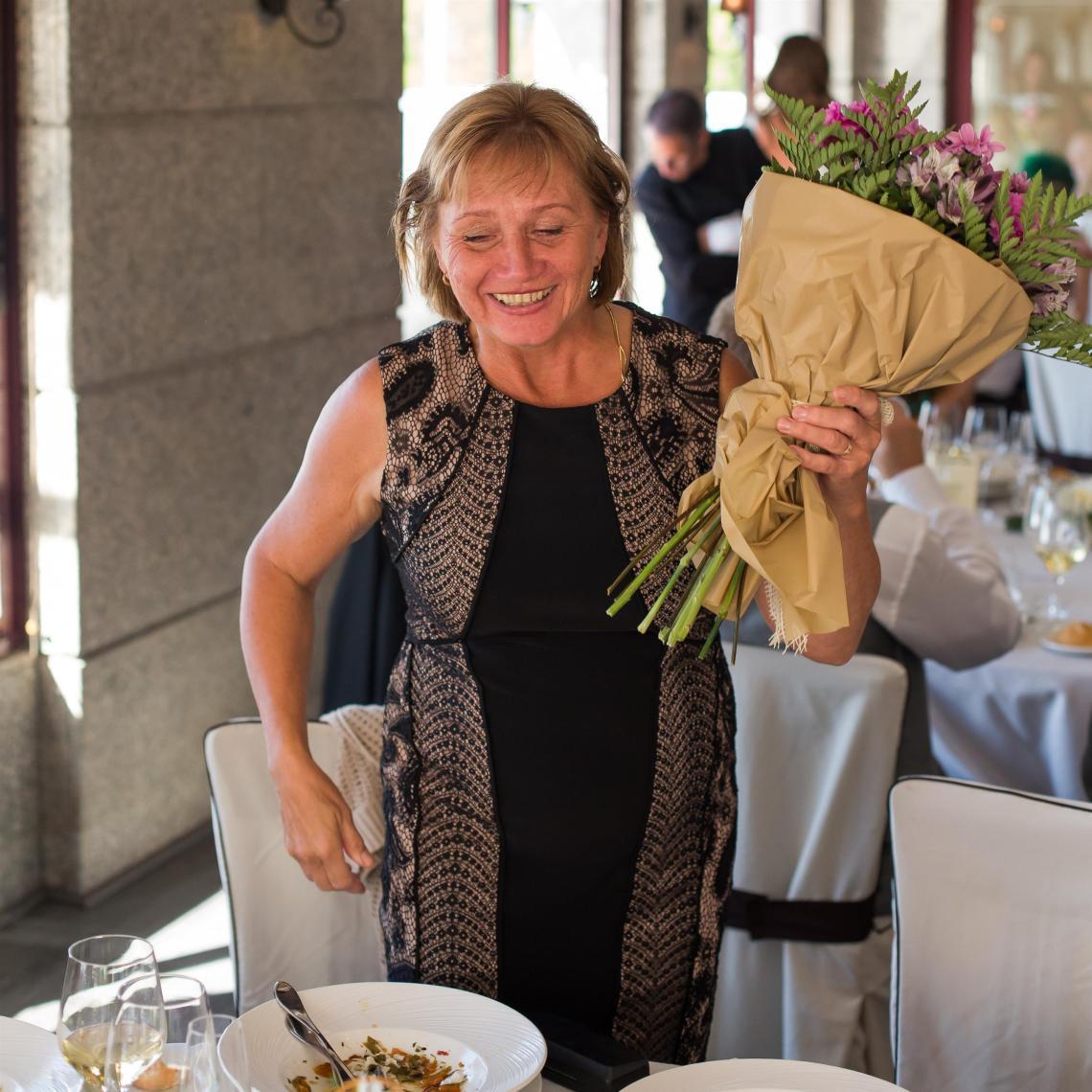 boda-espanola-sueca-ella-se-viste-de-blanco (28)