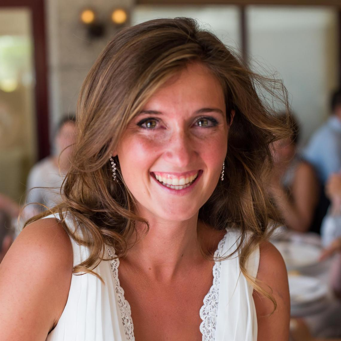 boda-espanola-sueca-ella-se-viste-de-blanco (31)