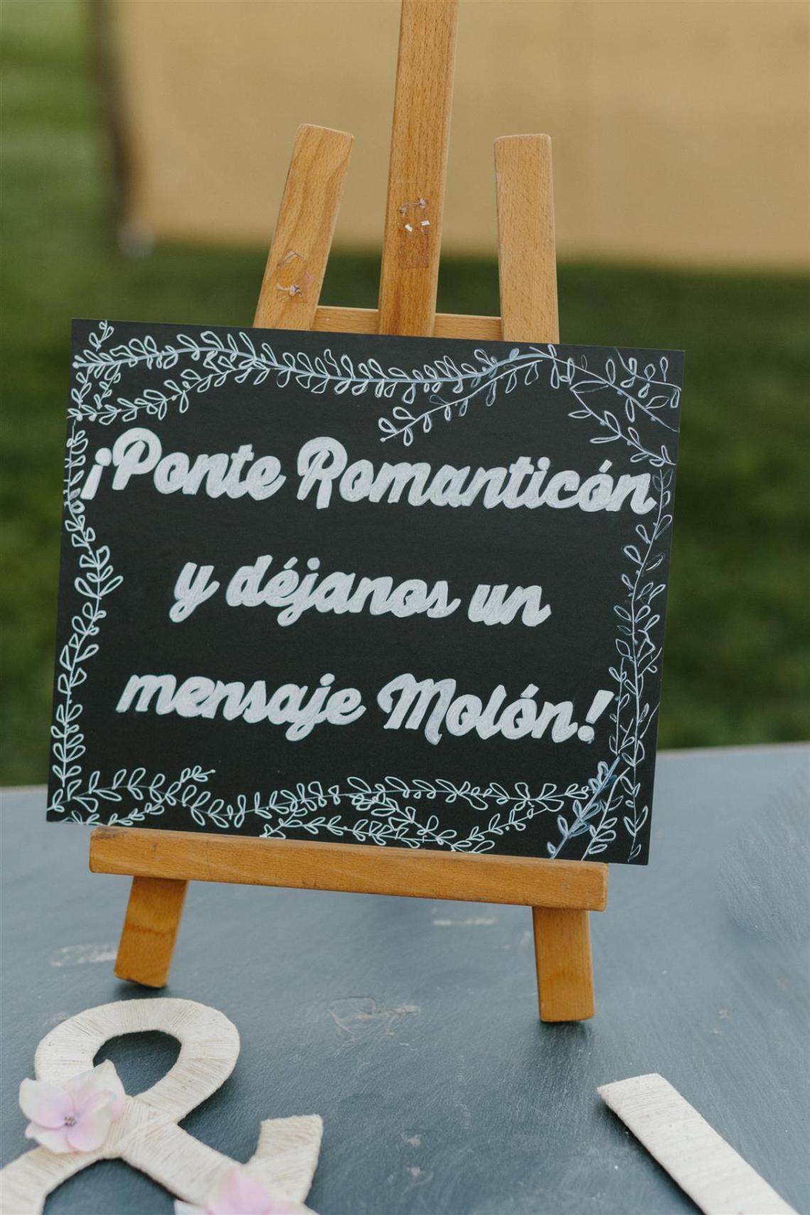Muy-muy-felices-barcelona-raquel-josue-ellasevistedeblanco (51)